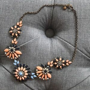 💕Adorable J.Crew Statement Necklace